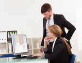 Auditor explaining account processes — Stock Photo