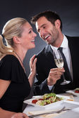 Couple romantique au restaurant — Photo