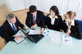 Business meeting for statistical analysis — Foto Stock