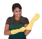 Young Female Gardner Wearing Gloves — Stock Photo