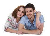 Portret van gelukkige jonge paar — Stockfoto