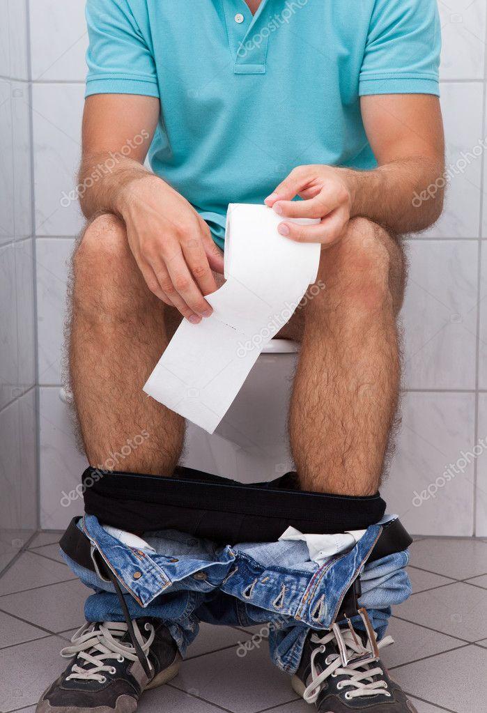 muzhiki-v-tualetah