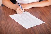 Woman Signing The Contract Paper — Stock Photo