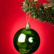 Green Bauble On Christmas Tree — Stock fotografie
