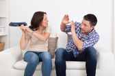 Woman Hitting Man With Sauce Pan — Stock Photo