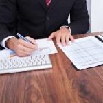Businessman Analyzing Graph — Stock Photo