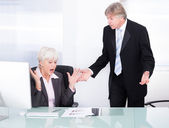 Two Businesspeople Arguing With Each Other — Foto Stock