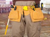 Reparador con cinturón de herramientas — Foto de Stock