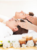 Couple Receiving Head Massage — Stock Photo