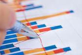 Businessman Analyzing Bargraph — Stock Photo