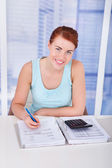 Woman Calculating  Finances — Foto Stock