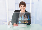 Businesswoman Working On Graph — Stock Photo