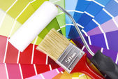 Color guide sampler and paintbrush — 图库照片
