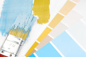 Paint brush and paint color choice for interior — Foto Stock