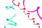 Confettis serpentin isolé en blanc — Photo