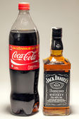 Coca Cola and Jack Daniel's Whiskey — Stock Photo