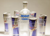 Absolut vodka con red bull — Foto de Stock
