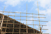 Bamboo scaffolding in construction site — Stock Photo