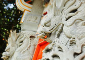 Chinese dragon statue in temple — Stock Photo