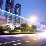 gece şehirde trafik — Stok fotoğraf