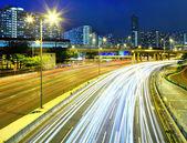 晚上在公路交通 — 图库照片
