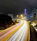 Provoz na dálnici v noci — Stock fotografie