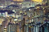 Overvloedige stadsgezicht nachts — Stockfoto