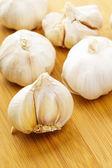 Garlic on table — Stock Photo