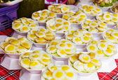 Thai style fried egg on street — Stock Photo