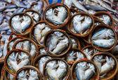 Fish in barrels for sell at market in Bangkok — Stock Photo