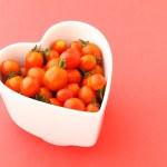 Cherry tomato with love — Stock Photo