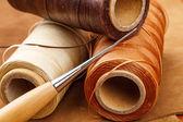 Fil pour l'artisanat du cuir — Photo