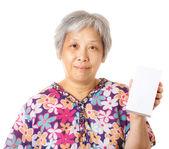 Mulher asiática segurando a caixa em branco — Foto Stock
