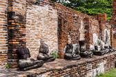 Ayuttaya、タイで壊れて仏の行 — ストック写真