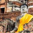 Giant buddha statue in temple — Stock Photo