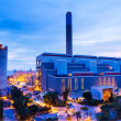 Industrial plant at night — Stockfoto
