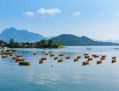 Beautiful coastline and boat — Foto de Stock