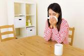 鼻アレルギーとアジアの女性 — ストック写真
