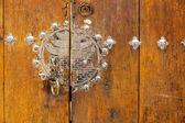 Old traditional korean door — Stockfoto
