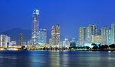 Гонконгский город ночью — Стоковое фото