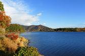 Lake kawaguchi with blue sky — Stock Photo