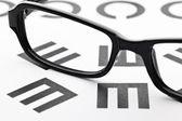 Eyechart with eyewear — Stock Photo
