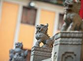Löwen-statue in chinesischer tempel in hongkong — Stockfoto