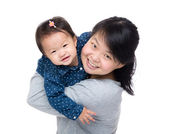 Asian mother with his daughter — Stock Photo