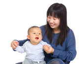 Mother play with son — ストック写真
