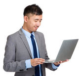 Business man using laptop — 图库照片