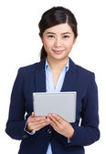 Business woman holding tablet — Foto Stock