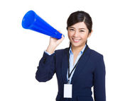 Businesswoman yell with megaphone — 图库照片
