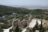 The Odeum theater in Athens and city — Stock Photo