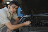 Mechanic Repairing Car Engine — Stock Photo